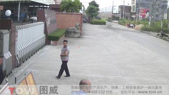 200万像素-工厂大门外马路超清视频监控效果录像演示